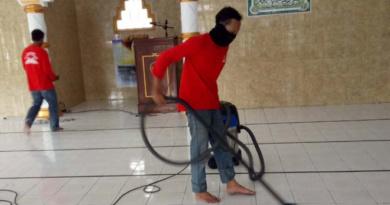 bersih-masjid