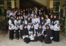 Menulis Puisi di Hari PGRI dan HGN SMP Negeri 8 Surakarta