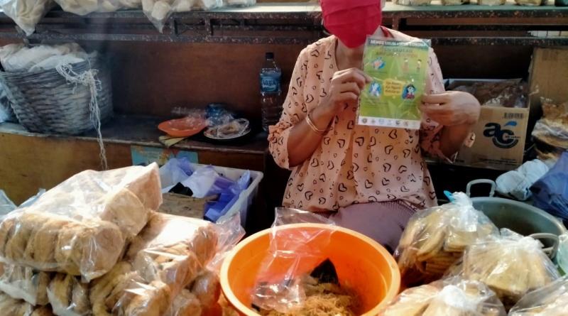 Sasar Pedagang Pasar dan Wong Cilik, Aliansi Solo Bhinneka Edukasi Covid-19